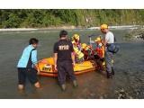 Indonezijoje sugriuvus tiltui žuvo septyni žmonės, dar trys dingo