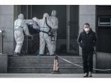 Kinijoje beveik iki 300 padaugėjo užsikrėtusiųjų nauju virusu, aukų skaičius pasiekė 6